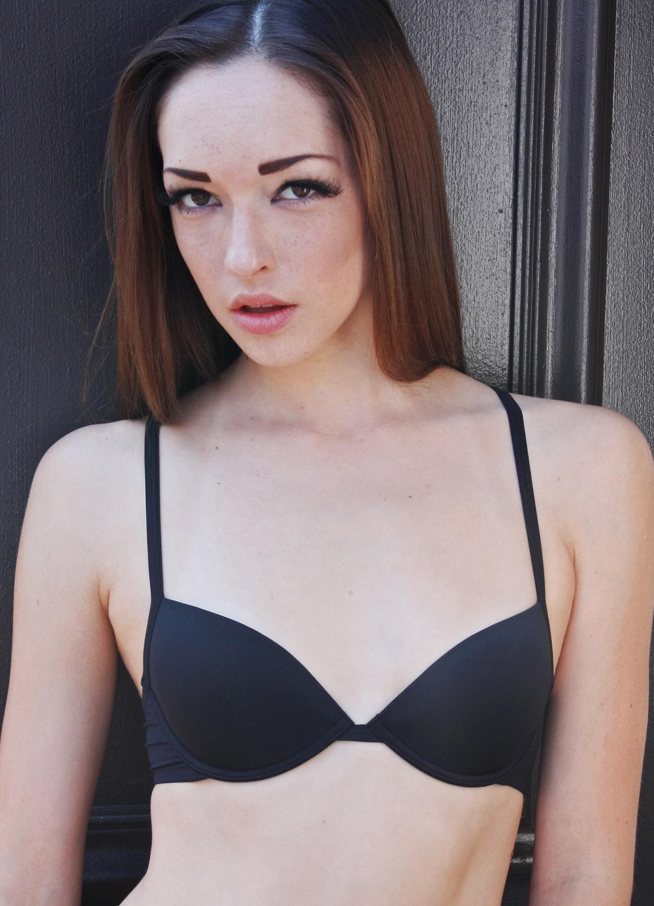Free Aaa Cup Breast Pics